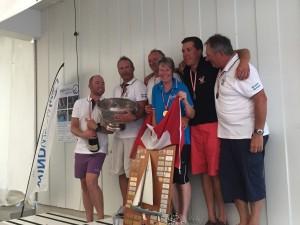 Cornelia & Ruedi Christen gewinnen die Weltmeisterschaft 2015 auf SUI-1122 in Brunnen auf dem Vierwaldstättersee.